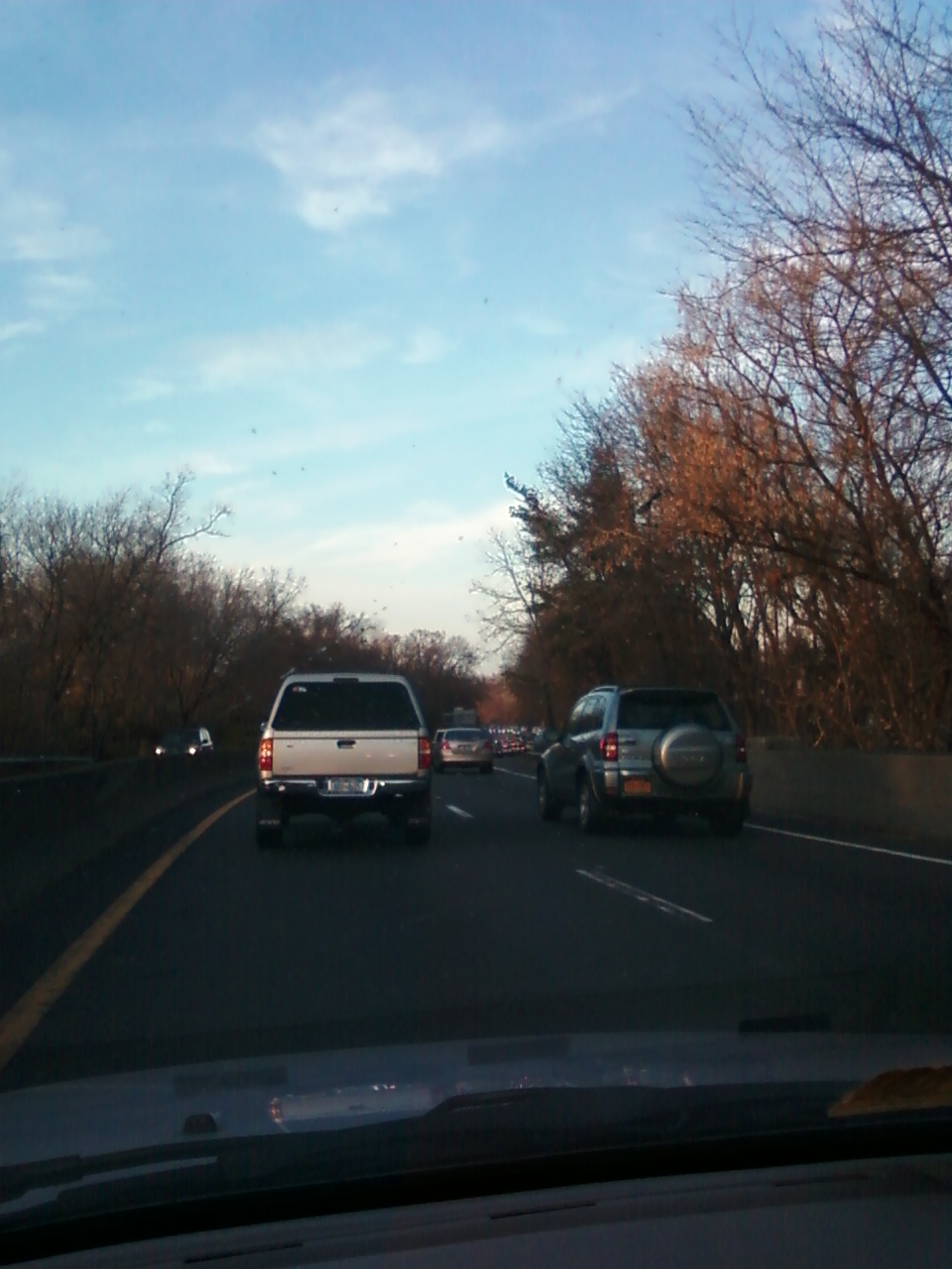 12/04/2012- Hutchinson River Parkway southbound, Bronx County, gridlock caused by motorists avoiding I-95 toll. Further details are available at  http://www.wirelessnotes.org.